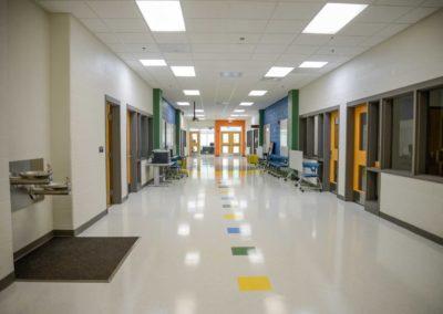 falling-branch-elementary-school-5-design-architecture-hallway-1